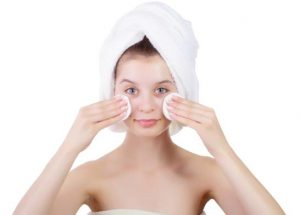 Exfoliation home remedy for forehead acne