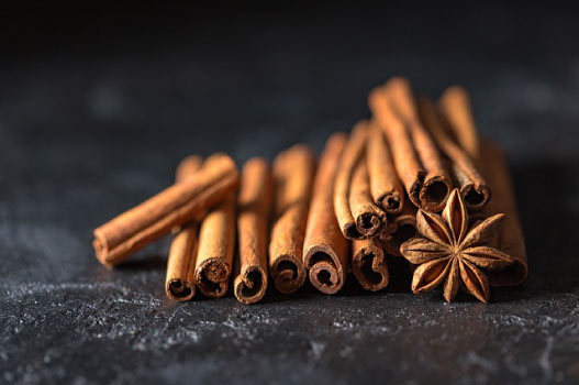 Cinnamon mask for blackheads removal