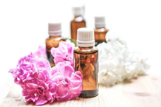 Importance of essential oils for acne and skin care