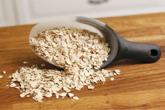 Oatmeal and yogurt mask for nose blackheads removal